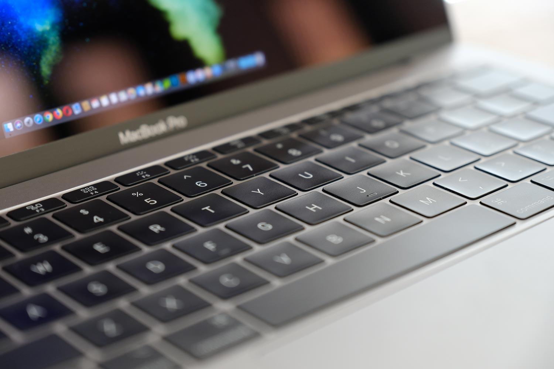 13インチMacBook Pro 第2世代バタフライ構造のキーボード
