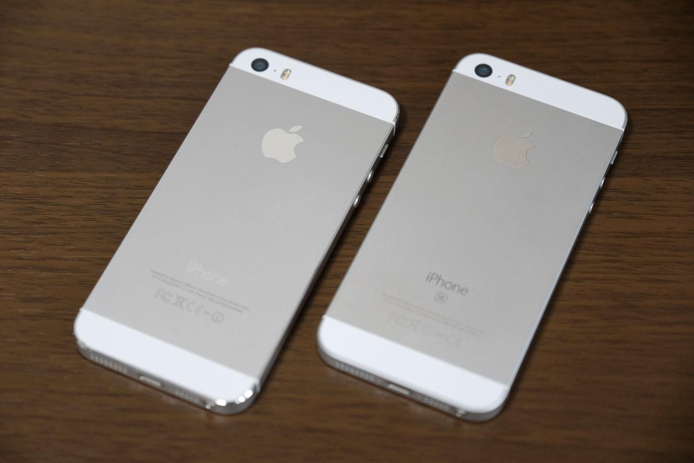 左:iPhone 5s、右:iPhone SE